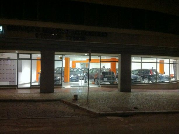 Foto 1 de Via Centro - Comércio de Automóveis e Acessórios, Lda