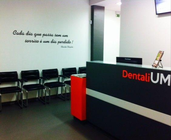 Foto 3 de Dentalium - Clínica Dentária