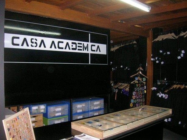 Foto 2 de Casa Académica - Trajes Académicos, Lda