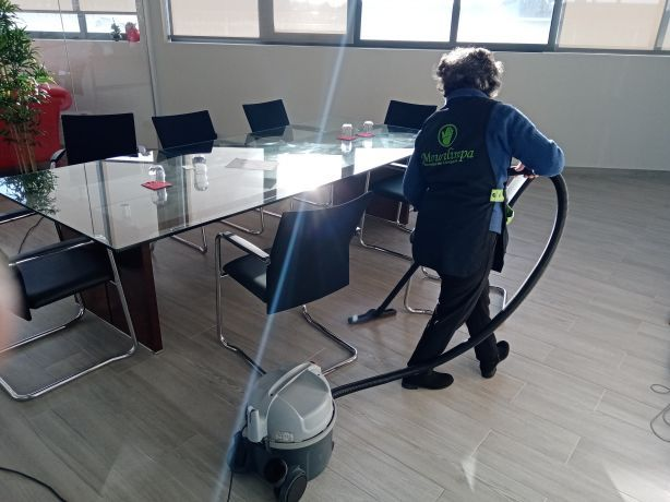 Foto 1 de Mourilimpa - serviços de limpeza